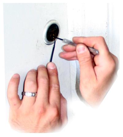 Çilingir Kapıyı Nasıl Açar